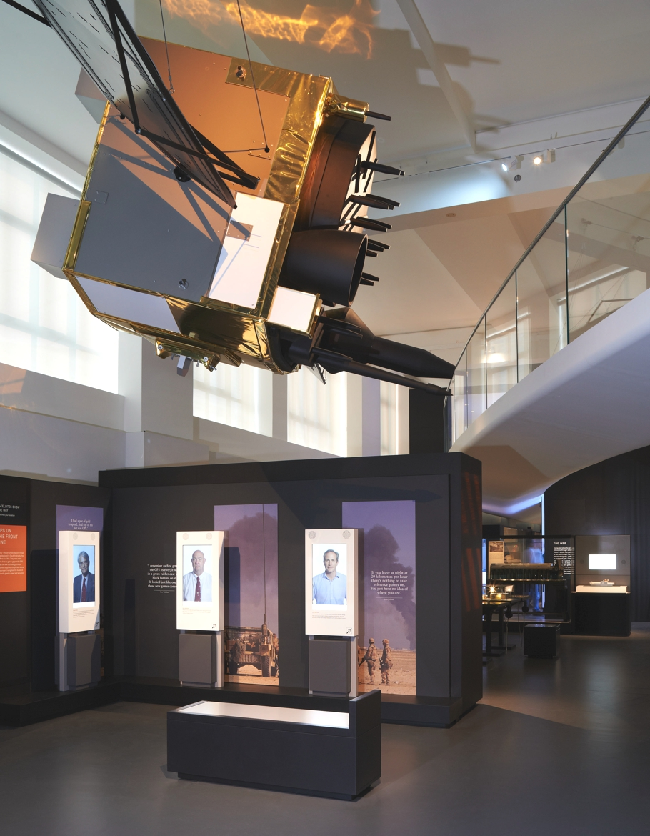 london-science-museum-new-gallery-Information-age-opens-04