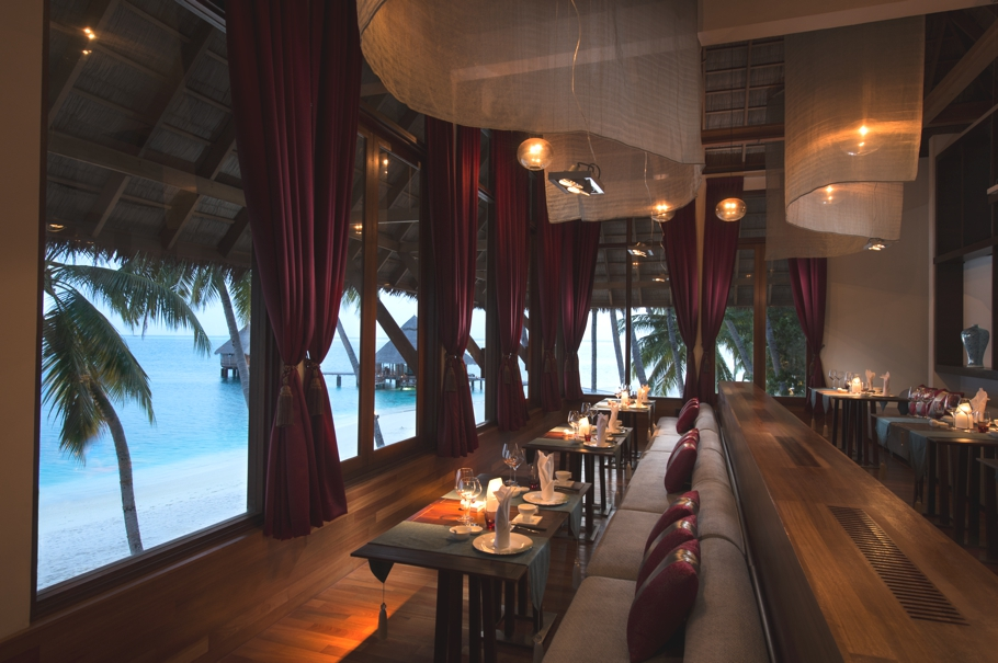 luxury-restaurants-maldives-adelto-14