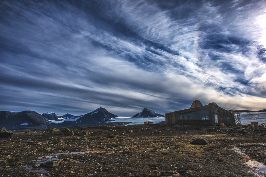 norway-remote-mountain-lodge-adelto-0002
