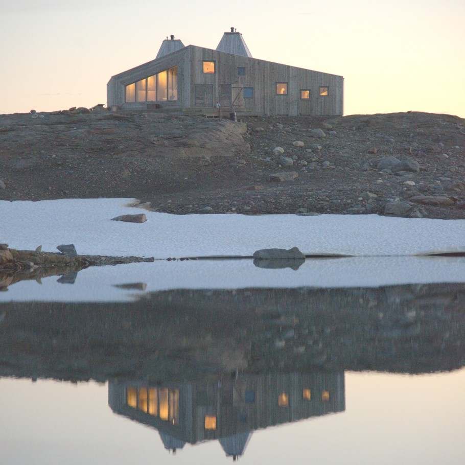 norway-remote-mountain-lodge-adelto-0006