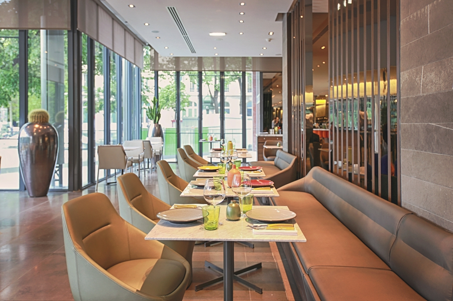 stylish-frame-brasserie-paris-adelto-10