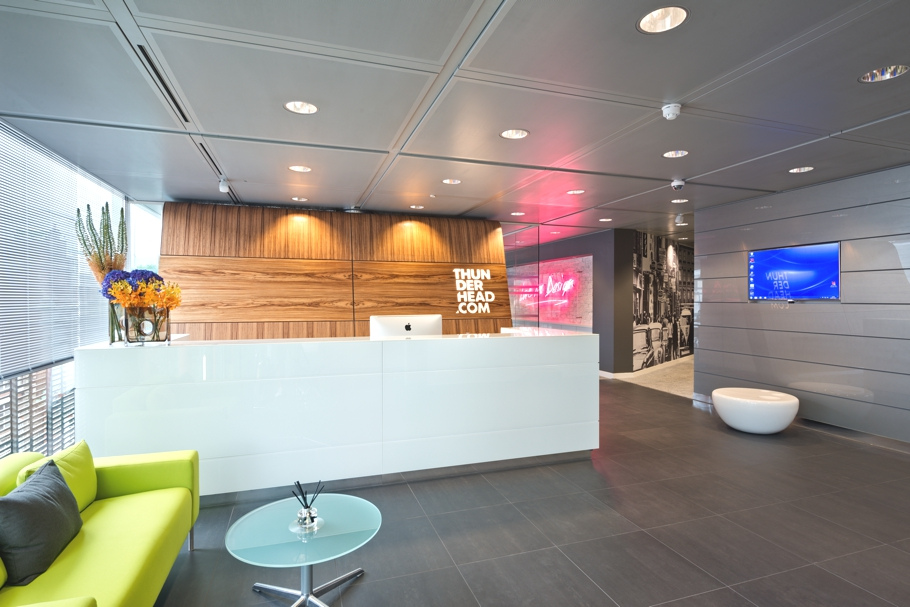 Contemporary office design space london adelto 00