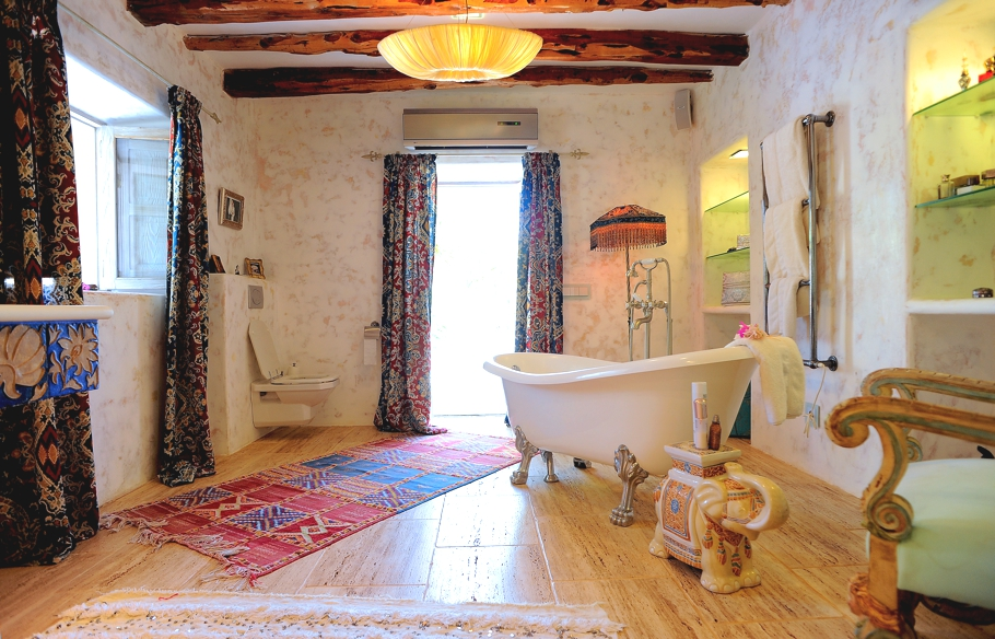luxury-homes-ibiza-adelto-00