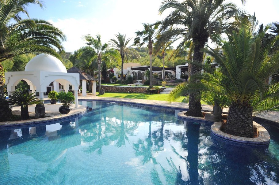 luxury-homes-ibiza-adelto-08