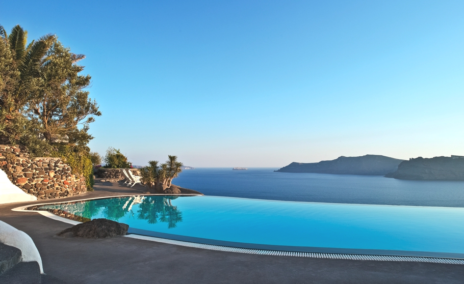 luxury-hotel-santorini-greece-adelto-05