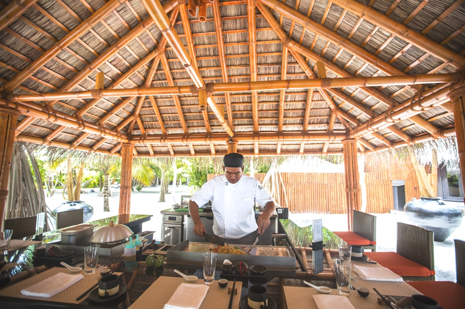 luxury-restaurants-maldives-adelto-03