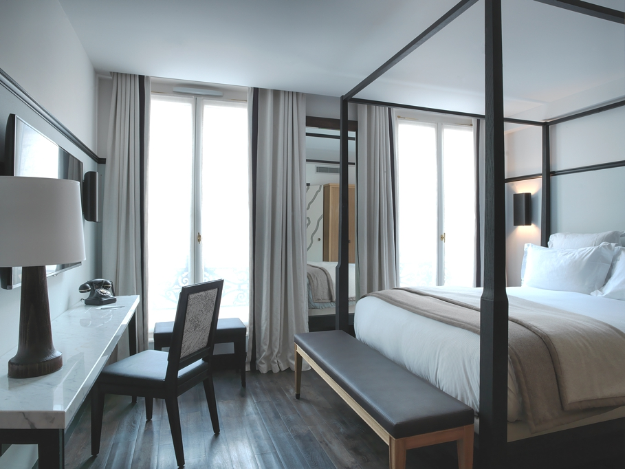 Chess hotel a timeless refuge in paris 39 s 9th for Boutique hotel 01