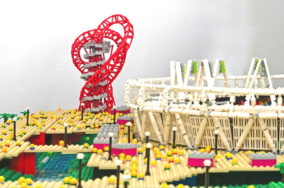 lego-exhibition-arcelor-mottal-orbit-london-adelto-03