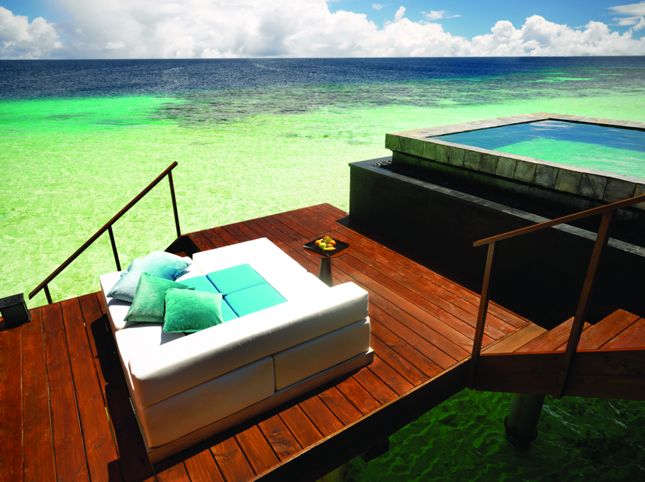 luxury-private-island-resort-maldives-adelto-02