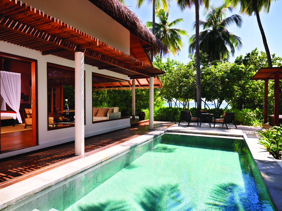 luxury-private-island-resort-maldives-adelto-05