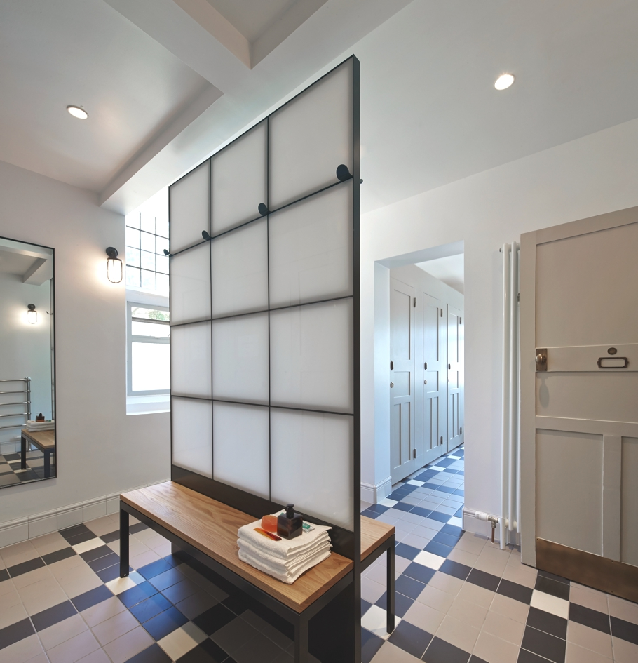 contemporary-interior-design-brighton-england-adelto-00