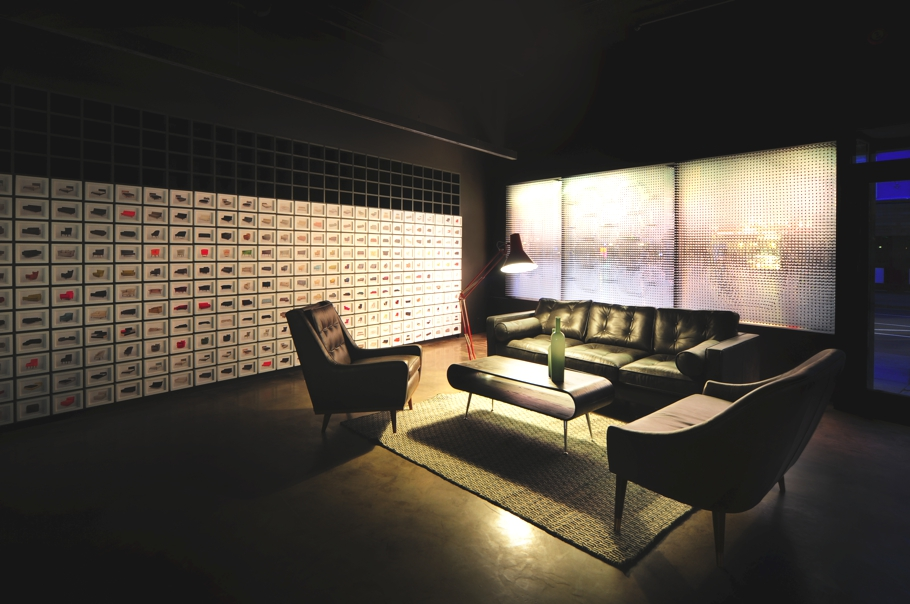 contemporary-showroom-design-london-adelto-11
