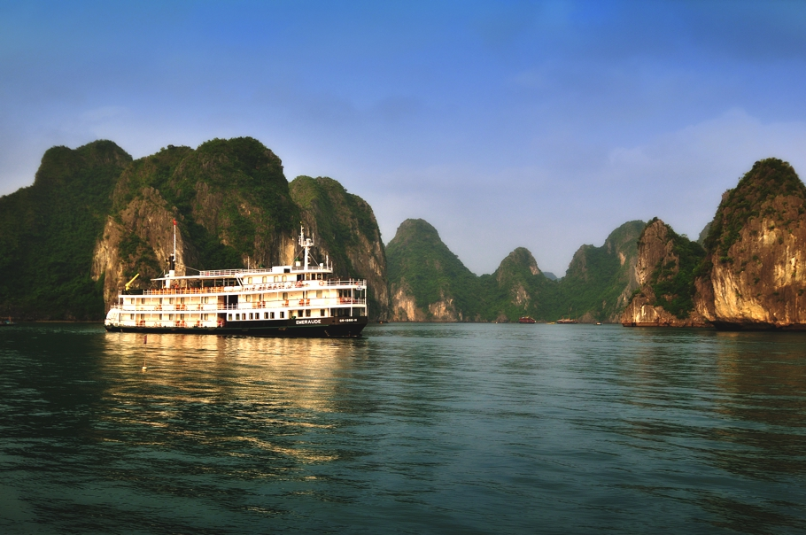 luxury-cruise-emeraude-vietnam-adelto-00
