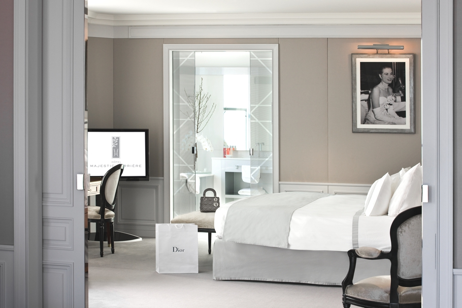 luxury-dior-hotel-suite-cannes-adelto-07