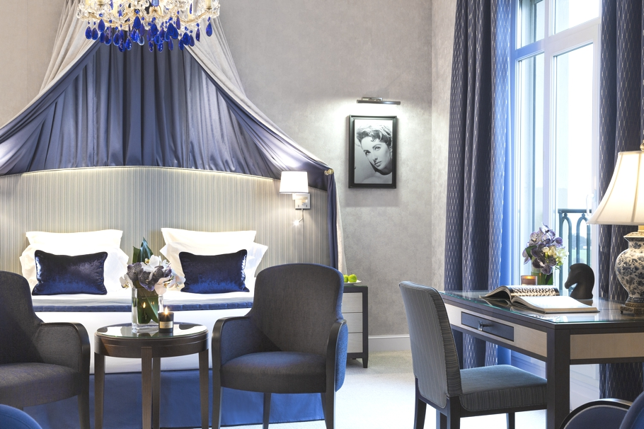 luxury-hotel-suite-liz-taylor-deauville-france-02