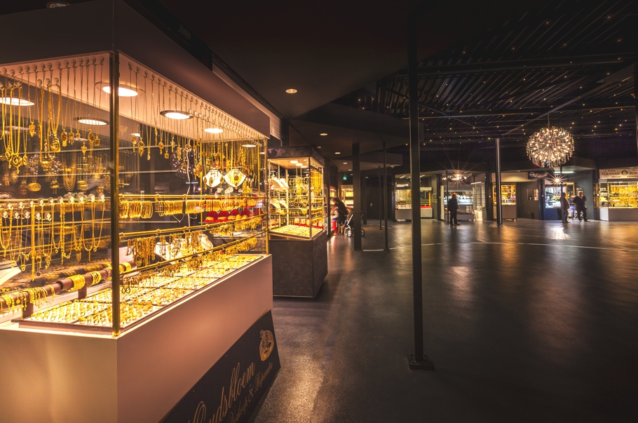 europes-largest-indoor-market-design-netherlands-adelto-05