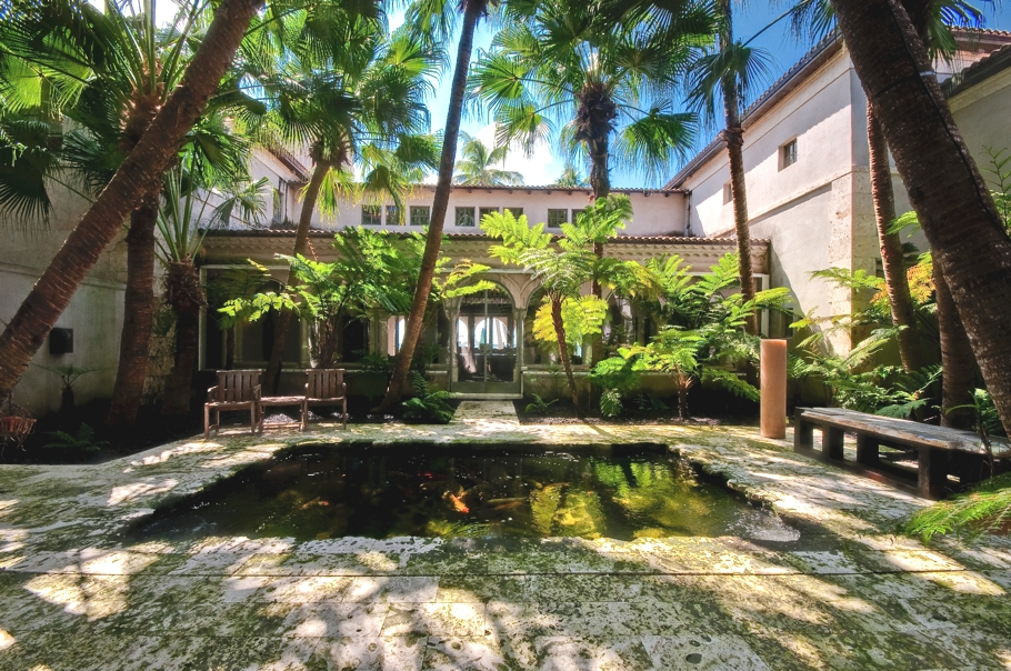 luxury-celebrity-homes-miami-beach-florida-adelto-04