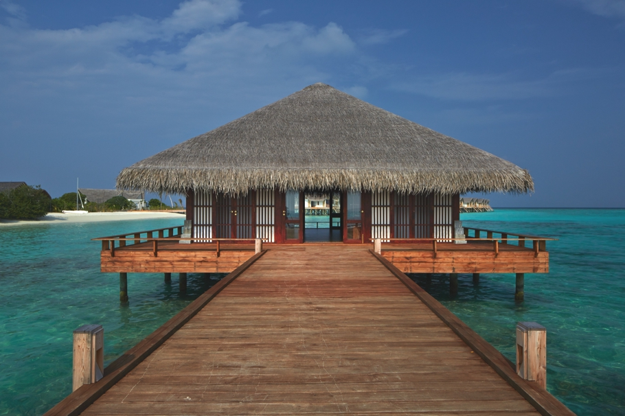 luxury-resort-hotels-maldives-adelto-02