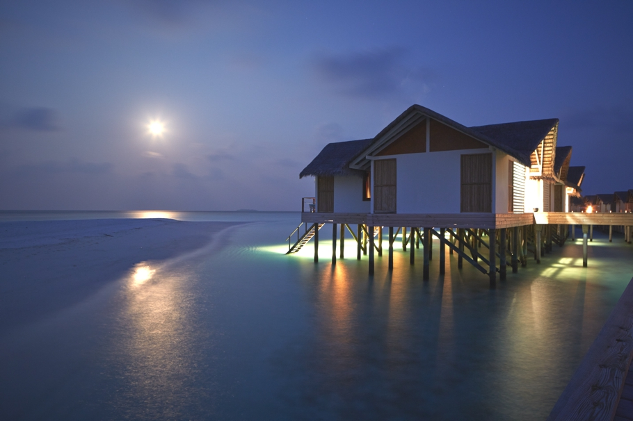 luxury-resort-hotels-maldives-adelto-03