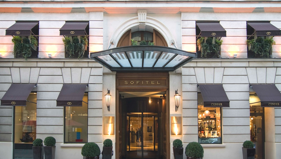luxury-hotel-sofitel-paris-adelto-08