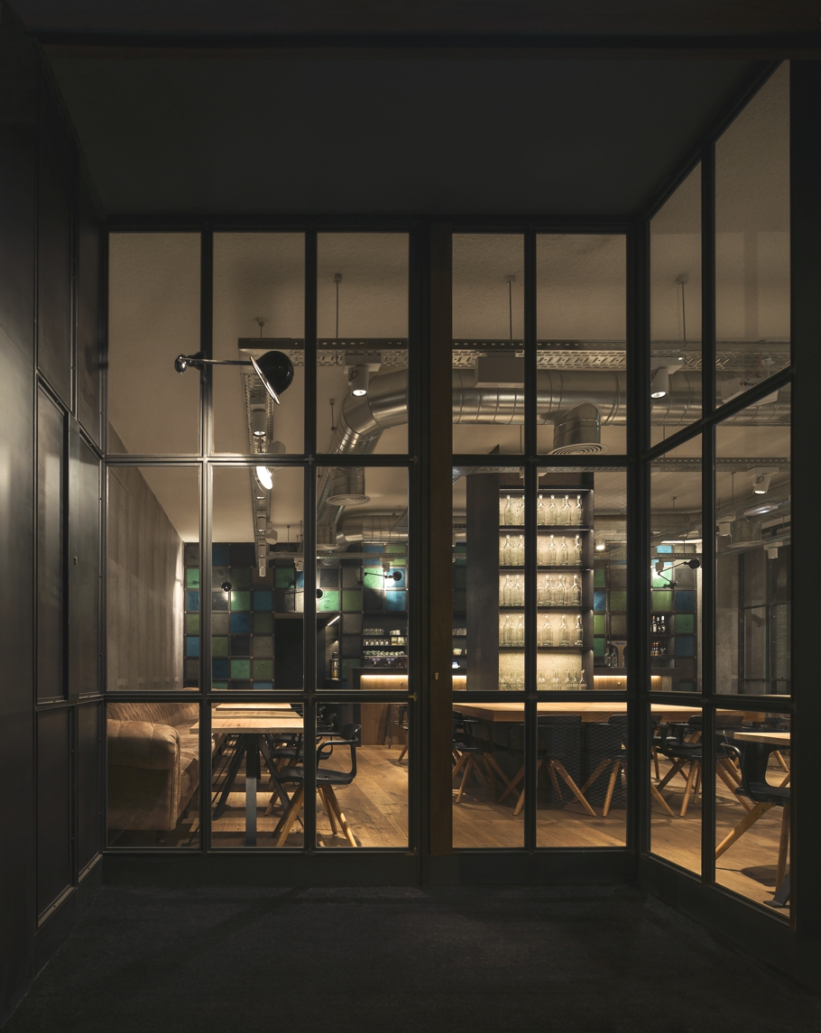 modern-cafe-bar-design-barcelona-adelto-01