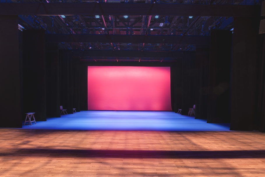performing-arts-centre-plymouth-adelto-02