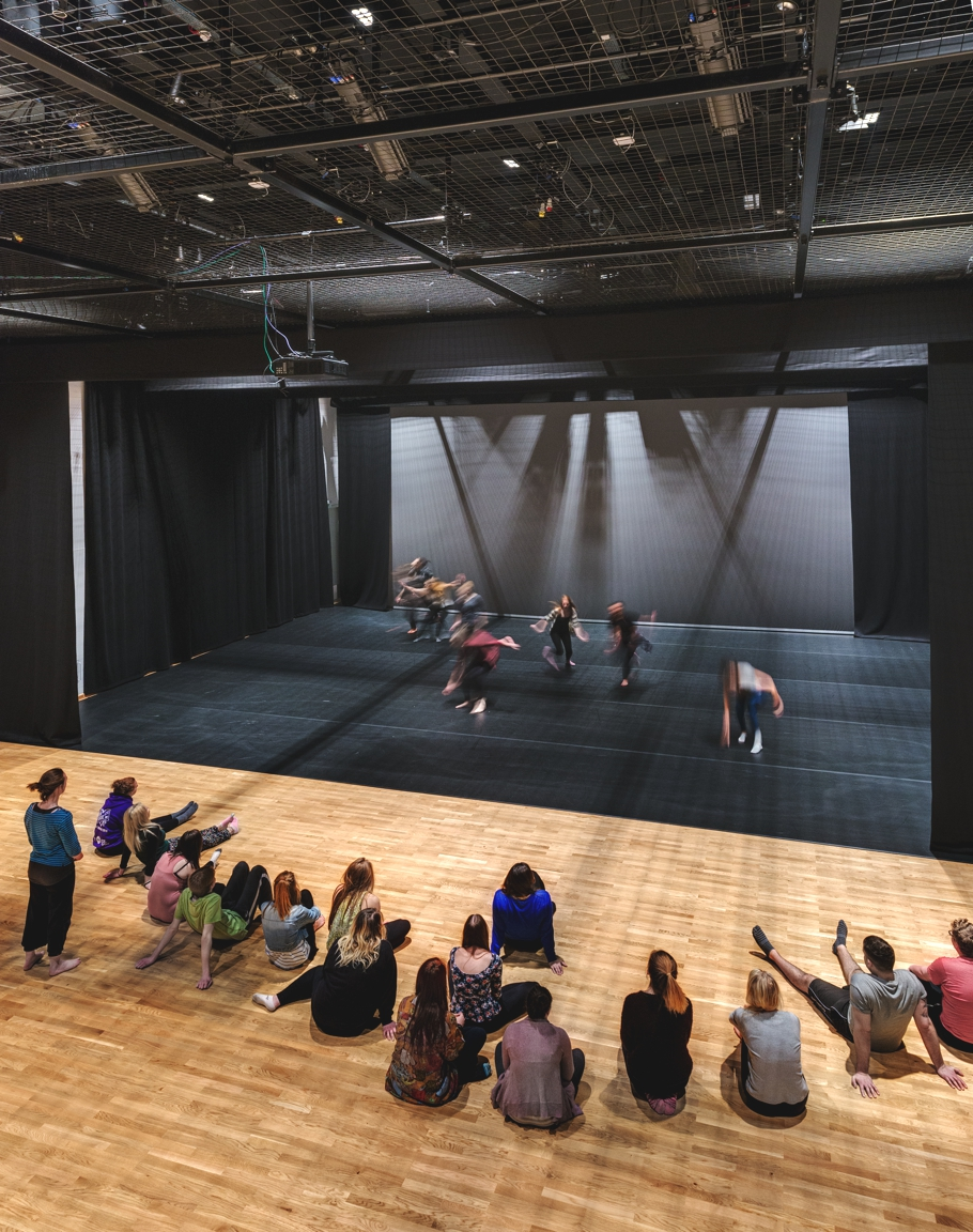 performing-arts-centre-plymouth-adelto-10