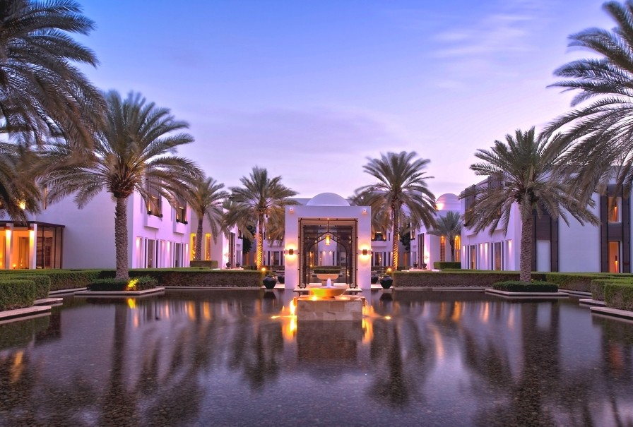 rose-harvest-holiday-chedi-muscat-oman-adelto-03