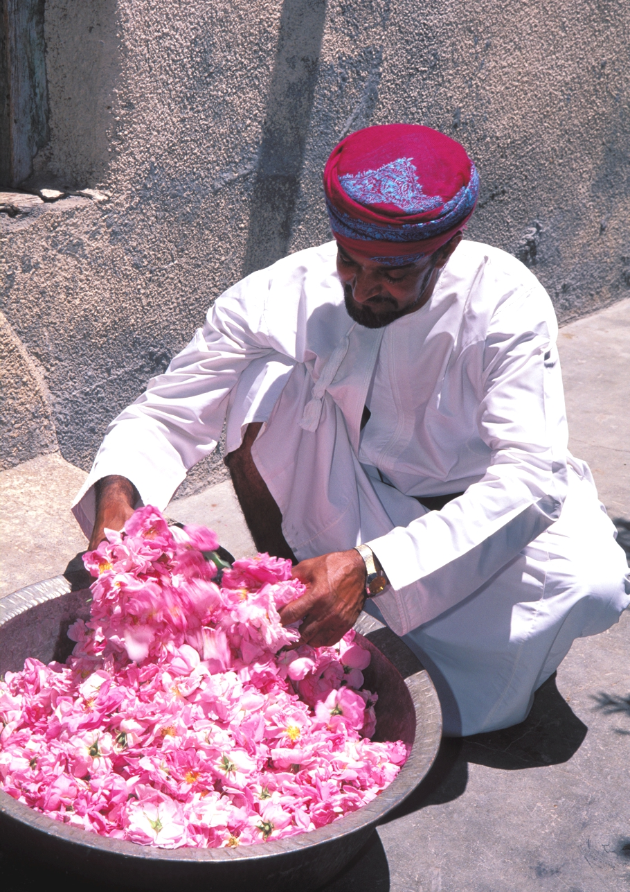 rose-harvest-holiday-chedi-muscat-oman-adelto-09