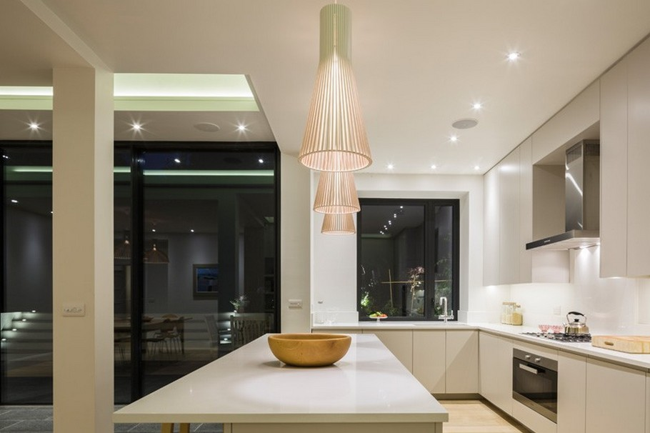 A Contemporary Extension To A 1930's London Property 14