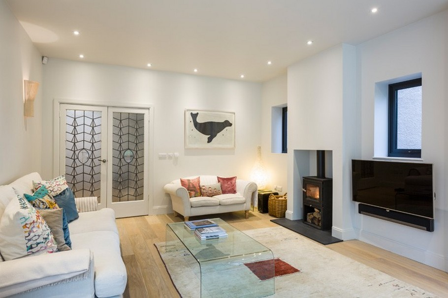 A Contemporary Extension To A 1930's London Property 15