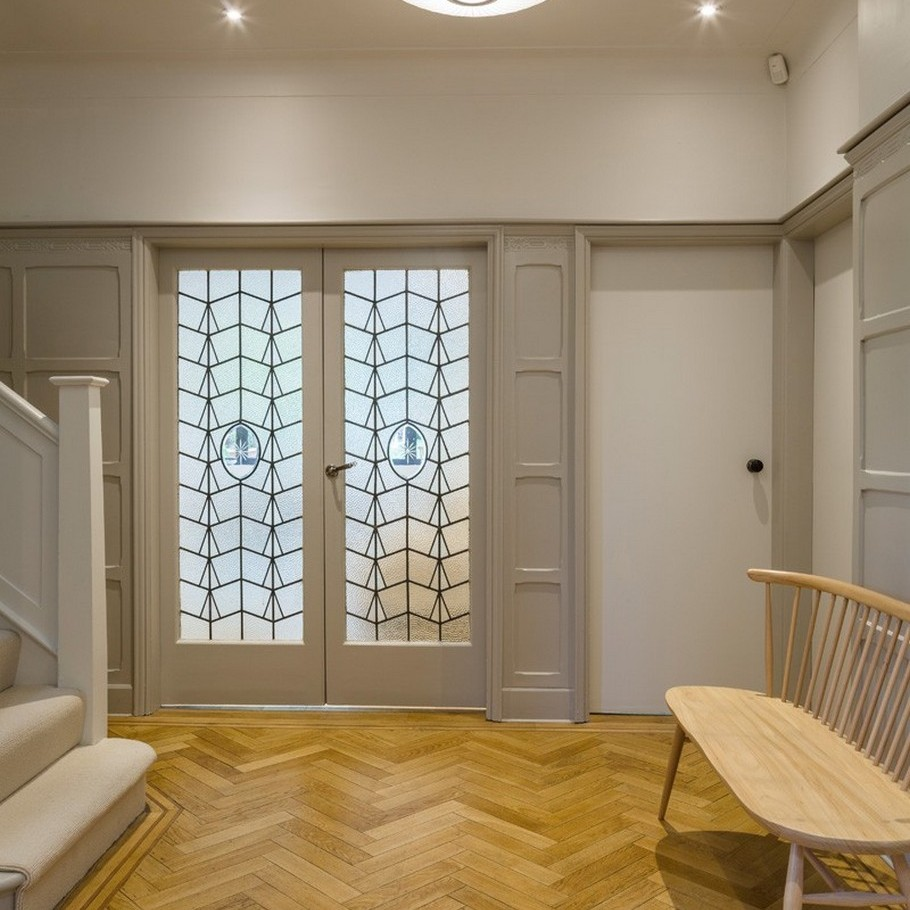 A Contemporary Extension To A 1930's London Property 16