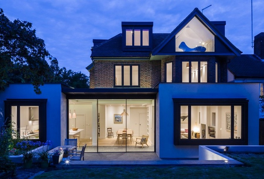 A Contemporary Extension To A 1930's London Property 3