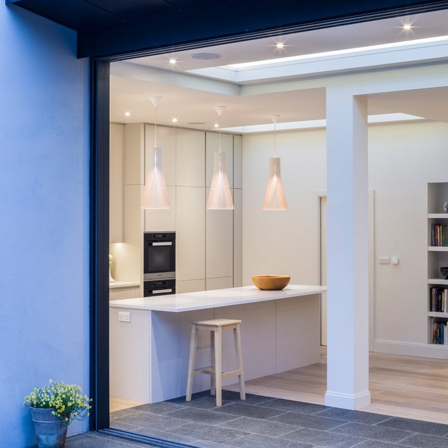 A Contemporary Extension To A 1930's London Property 5
