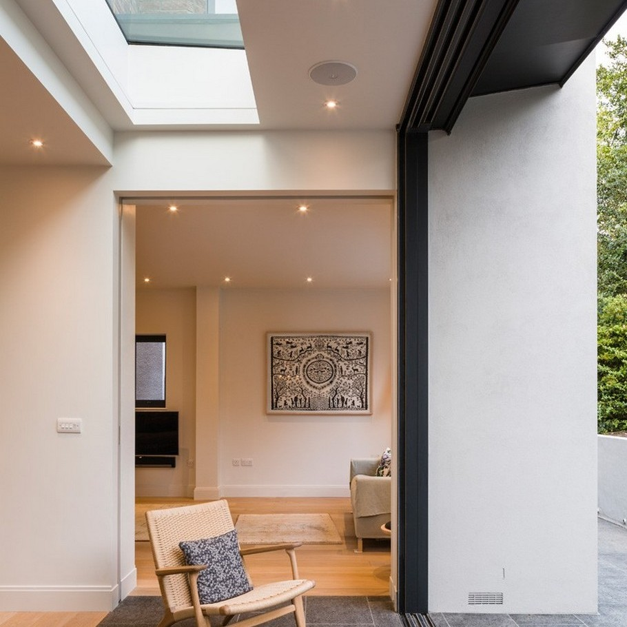 A Contemporary Extension To A 1930's London Property 7