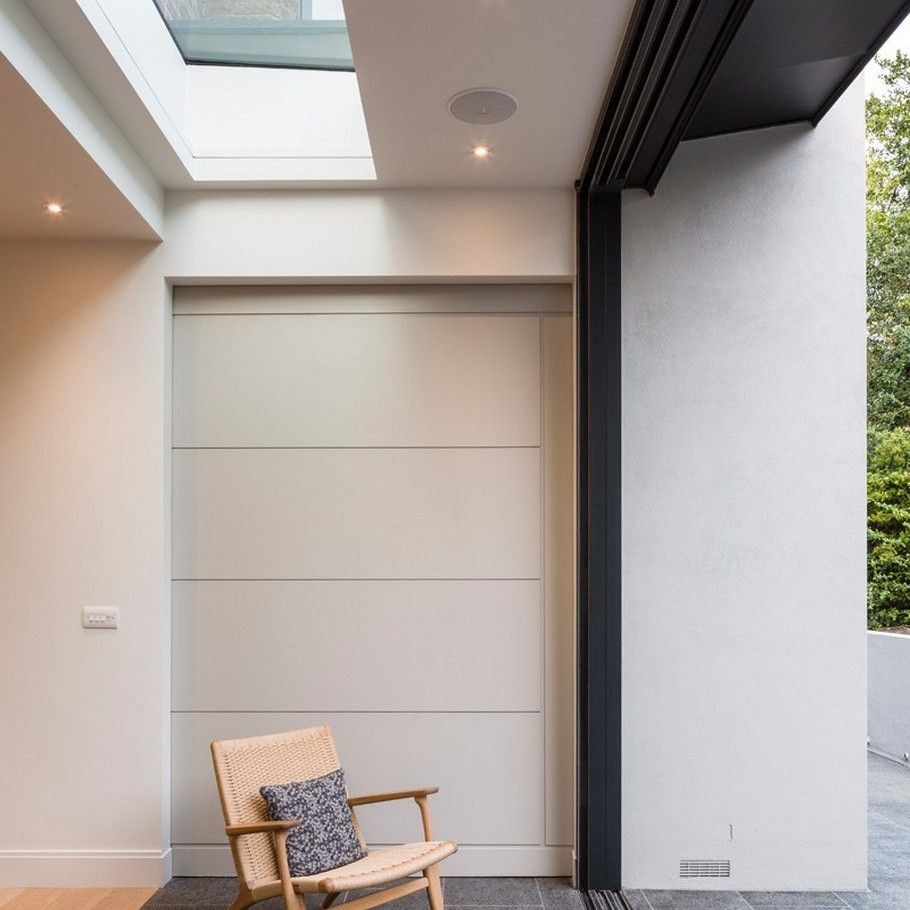 A Contemporary Extension To A 1930's London Property 8