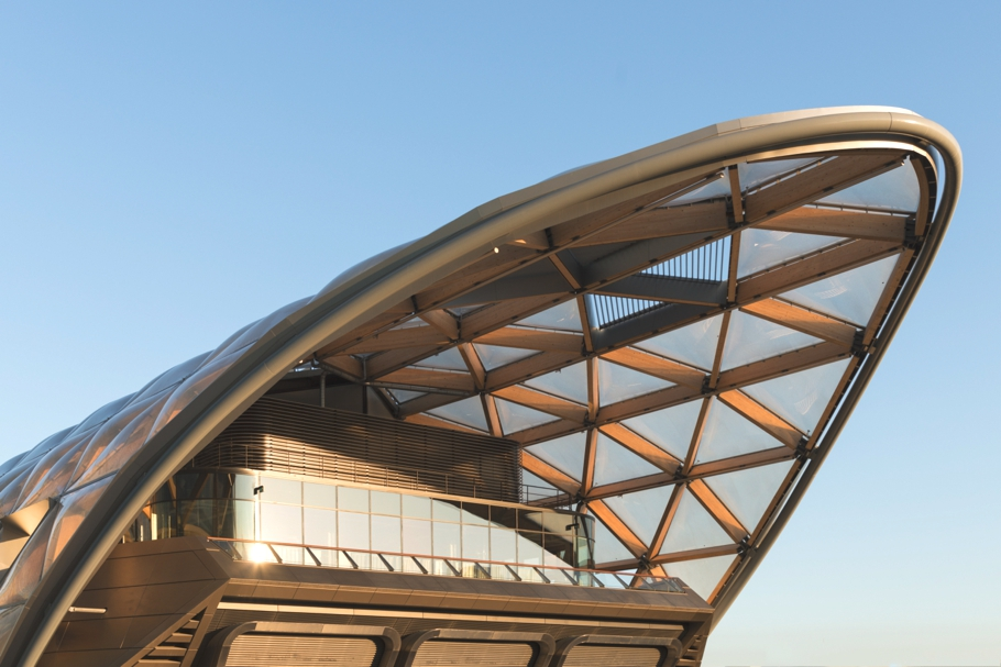 contemporary-rooftop-gardens-canary-wharf-crossrail-london-adelto_02