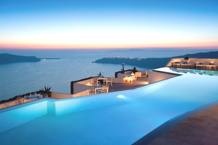 luxury-hotel-santorini-greece-adelto_01