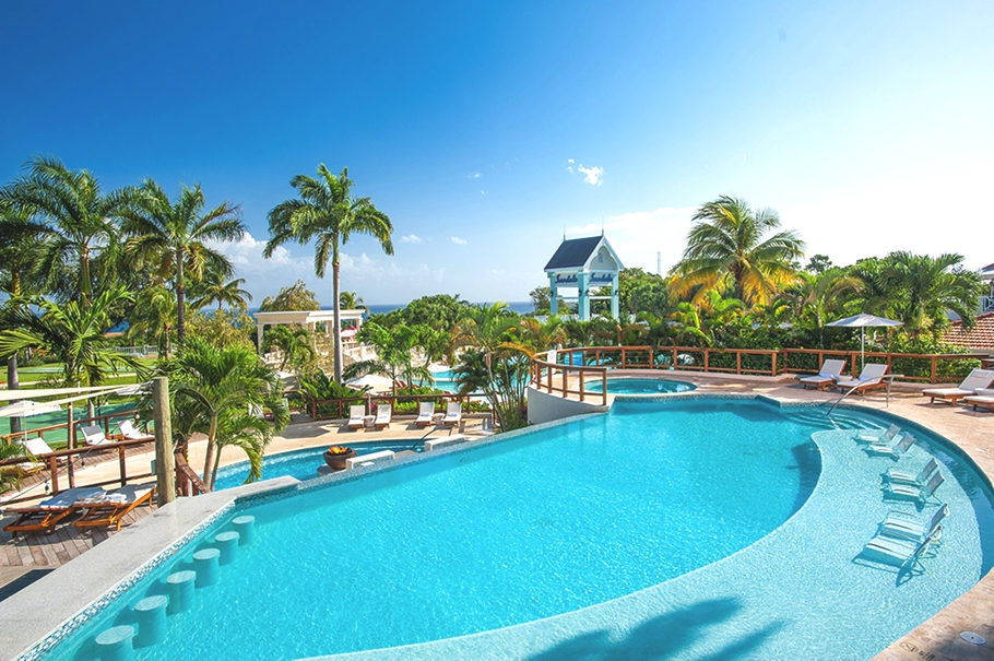 luxury resort with 105 swimming pools opens in jamaica