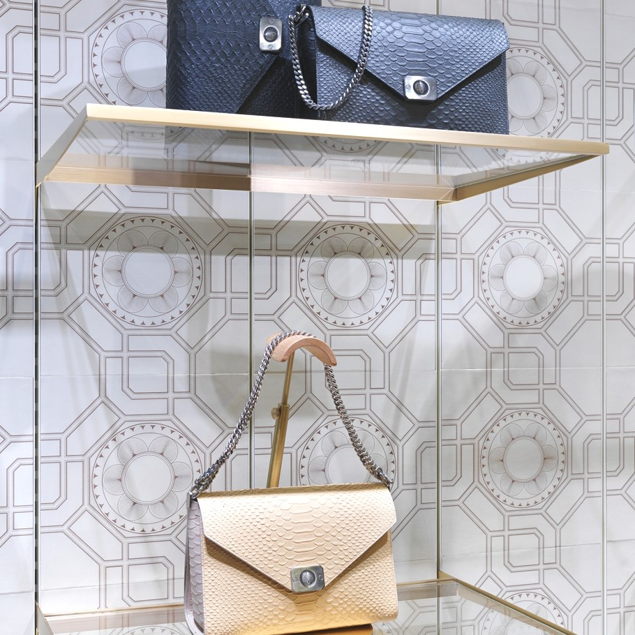 luxury-mulberry-store-design-paris-adelto_06