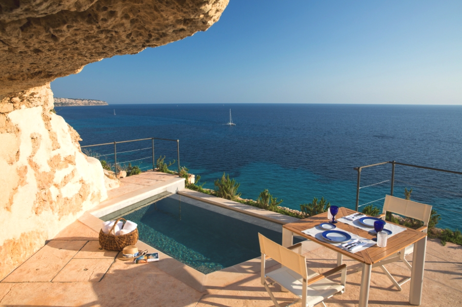 luxury-rooms-cap-rocat-mallorca-spain-adelto_06