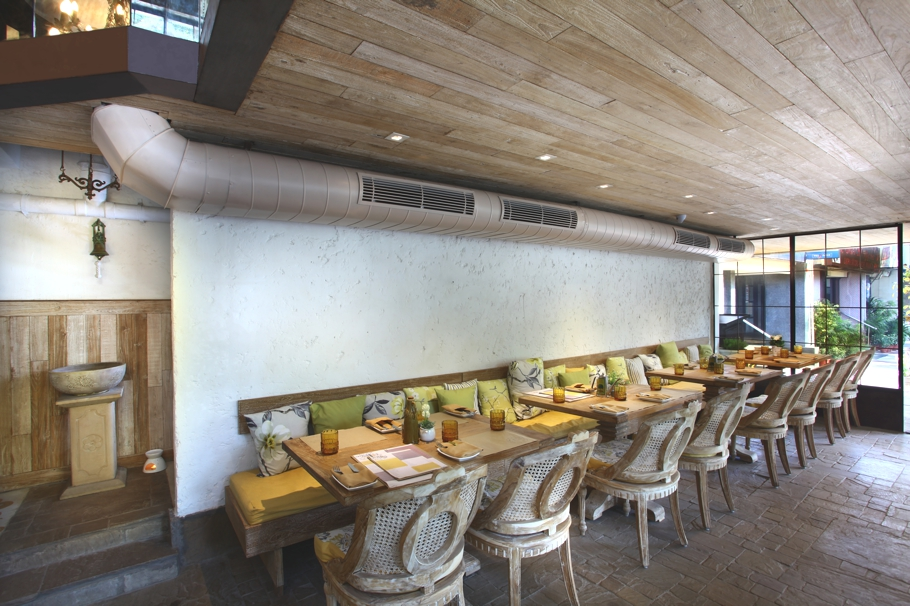contemporary-restaurant-design-new-delhi-india-adelto_01