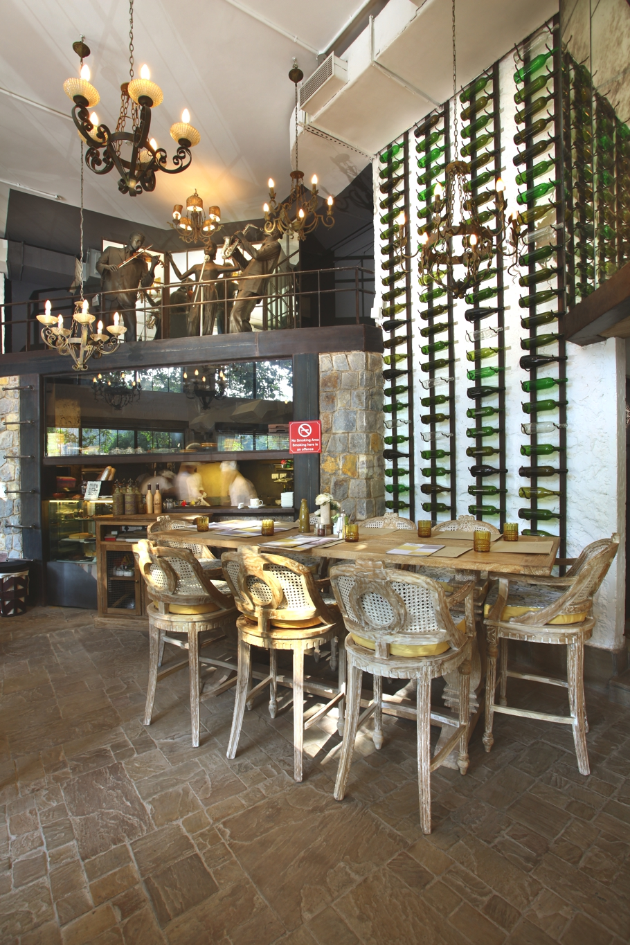 contemporary-restaurant-design-new-delhi-india-adelto_02