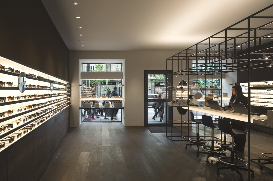 An Optical Store With Modern Design Madrid 171 Adelto Adelto