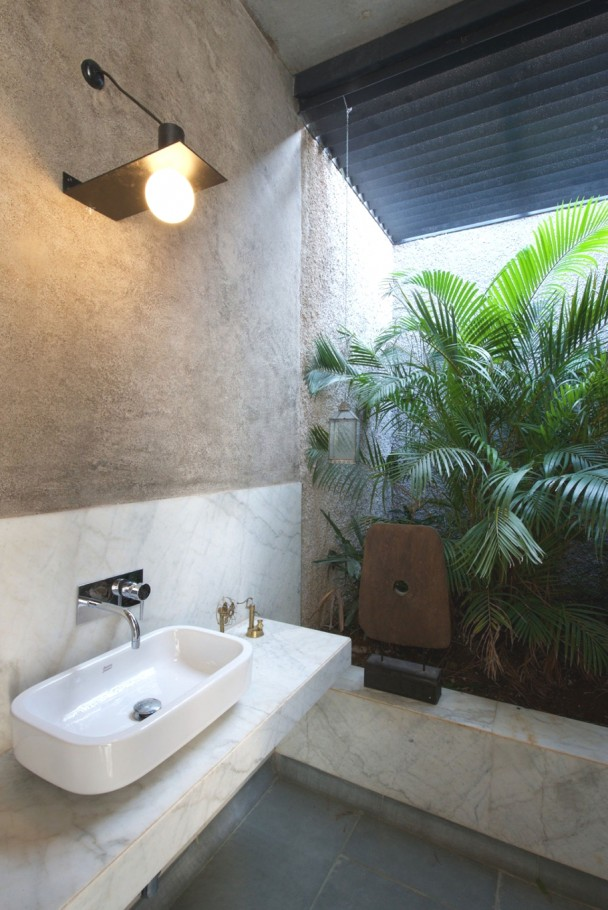luxury-home-india-bathroom-design-adelto_02
